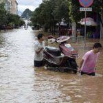 Mueren 57 personas por inundaciones en China