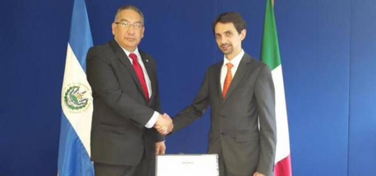 Presidente de CEL justificó negociaciones con Enel