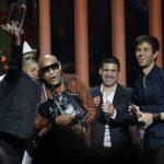 """El tema """"Bailando"""", de Enrique Iglesias, Descemer Bueno y Gente D' Zona, fue uno de los más galardonados. Iglesias agradeció a sus fans por el apoyo a lo largo de su carrera. Fotos EDH/ AP /EFE"""