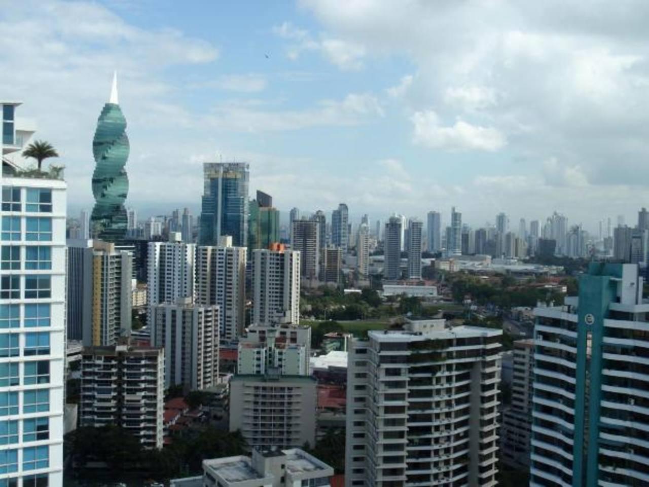 Panamá comenzará este año la discusión sobre nuevos ajustes al salario mínimo. foto edh