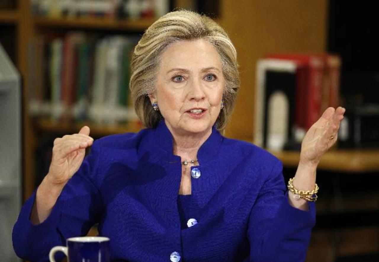 Clinton desafía a Bush con tema de inmigración