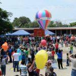 Celebran el XVIII Festival del Globo en San Esteban Catarina