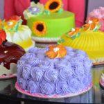 Los pasteles están disponibles en presentaciones de 10 a 100 porciones. FOTO EDH / Xenia ZepedaRepresentantes de Mister Cake durante presentación de los pasteles. FOTO EDH / Xenia Zepeda