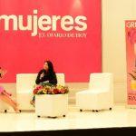Maggie Cortez fue la presentadora de las diferentes intervenciones de la exposición organizada por Mujeres y Galerías.