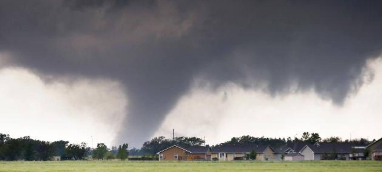 El Servicio Meteorológico Nacional advirtió que hasta el fin de semana se mantendrán condiciones críticas. foto edh / ap