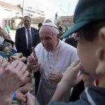 """Papa Francisco pide en Ostia que recen por él y se confiesa """"un poco anciano y enfermo"""""""