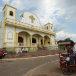 Los religiosos y feligresía de Ciudad Barrios se disponen a salir el viernes, por la noche, rumbo a San Salvador para participar en la ceremonia de beatificación. Foto EDH / Archivo