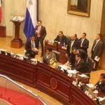 Polémica por sueldo de diputados no oficializados