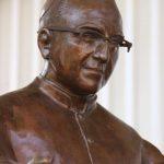 Escultura de Guillermo Perdomo, la que estará ubicada en una plaza de Roma, Italia. FOTO EDH/ Cortesía.