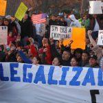 Frenan de nuevo plan en favor de inmigrantes en Estados Unidos