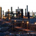 La baja en producción de crudo daña la economía del país.