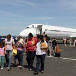 Cónsules del Triángulo Norte visitan menores inmigrantes en EE.UU.