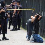 La Policía sospecha que los capturados estarían ligados a una pandilla. Foto EDH / Húber Rosales