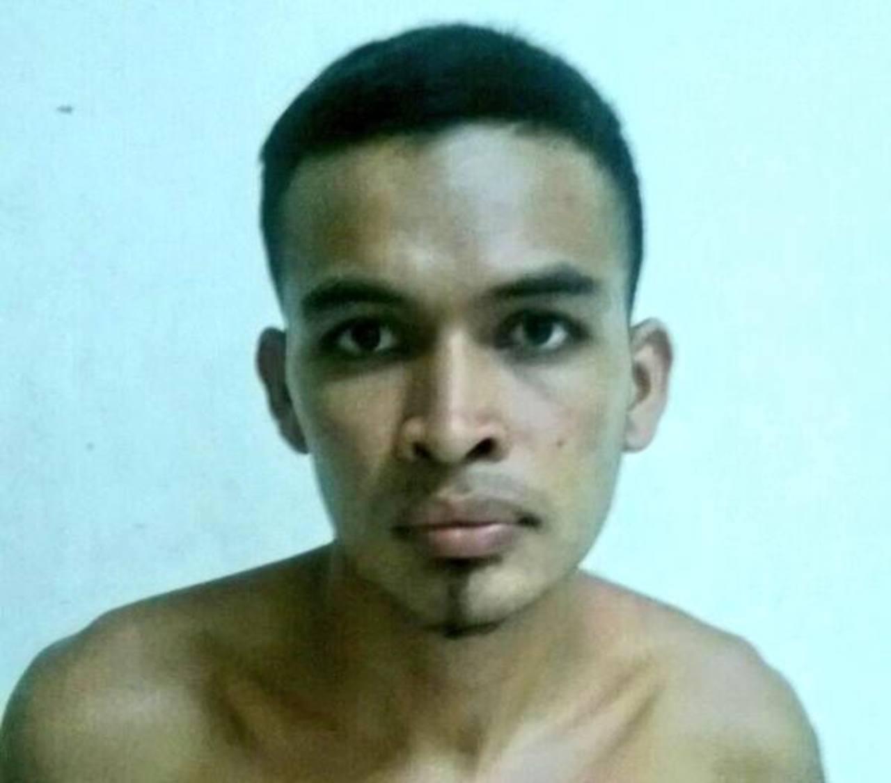La Policía detuvo al supuesto marero sospechoso de matar al locutor deportivo en San Miguel. Foto EDH