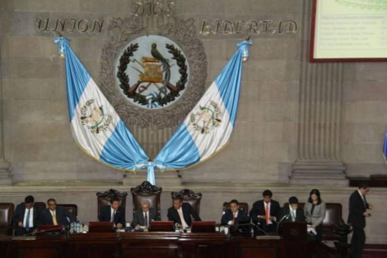Otto Pérez propone nueva terna para elegir a vicepresidente de Guatemala