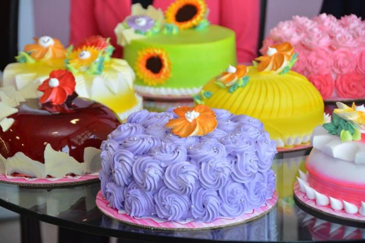 Los pasteles están disponibles en presentaciones de 10 a 100 porciones. FOTO EDH / Xenia Zepeda
