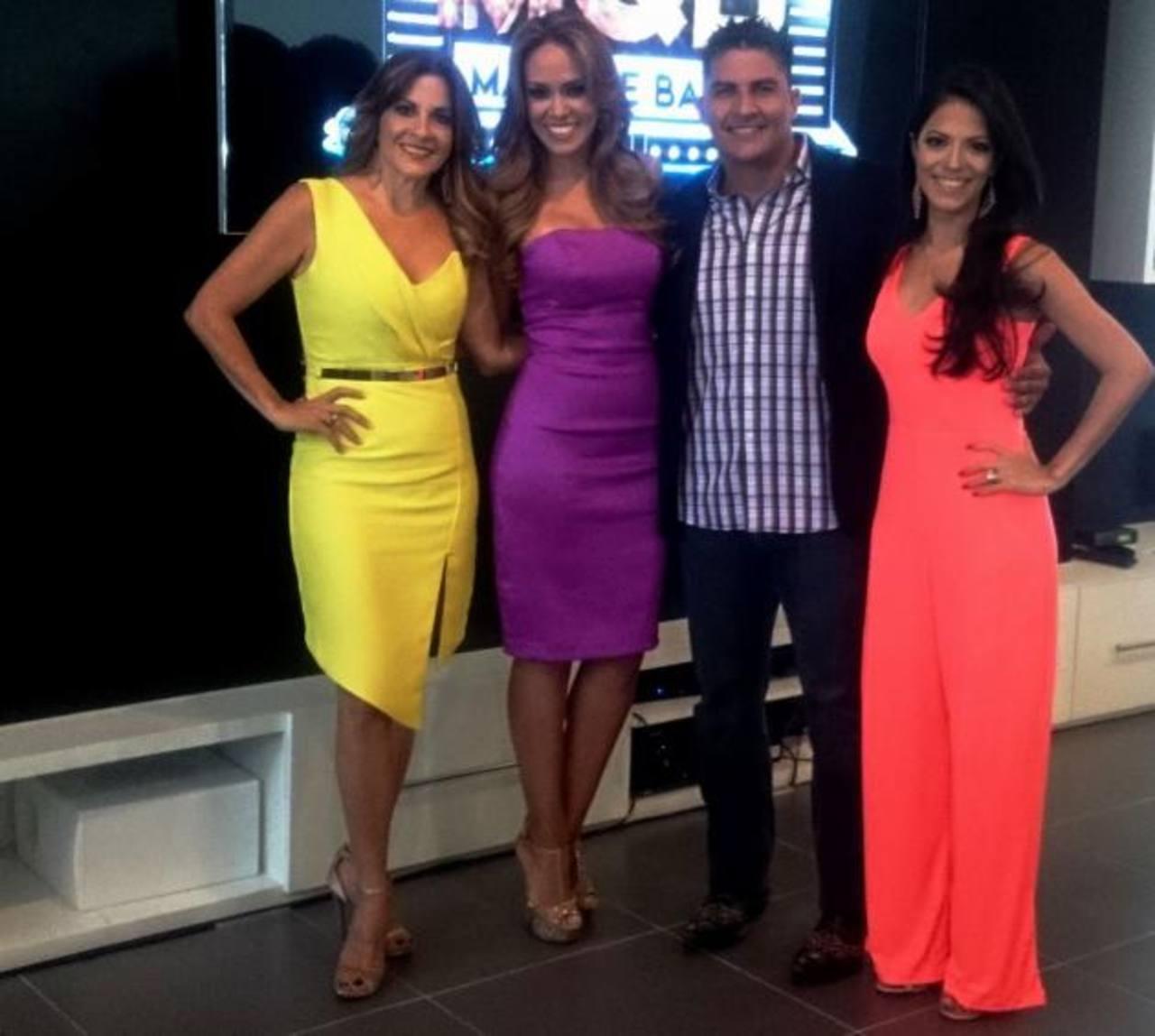 Los jurados del programa Nené de Roeder, Billy Grimaldi y Diana Aranda junto a la conductora Luciana Sandoval.