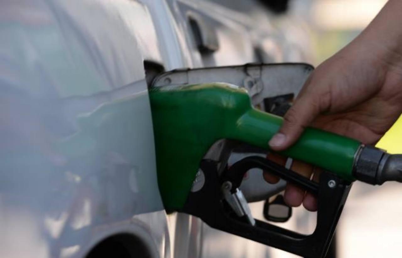 Incrementan los precios de los combustibles