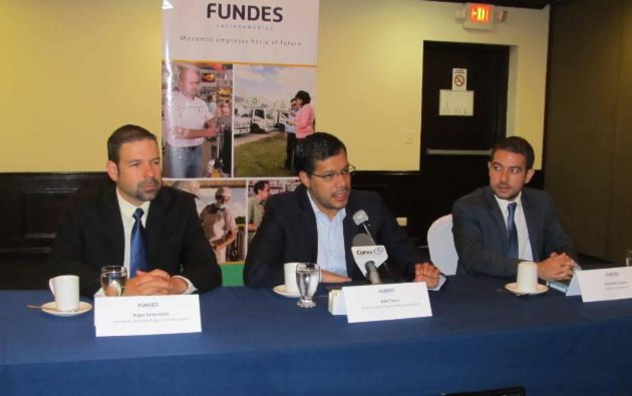 Representantes de la organización dieron a conocer los detalles de la estrategia que logrará formar alianzas entre grandes y pequeñas empresas. foto edh / Cortesía