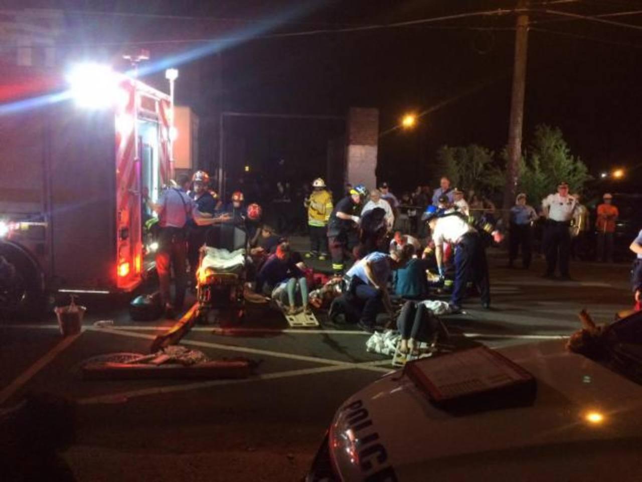 Cinco muertos y decenas de heridos al descarrilar tren en EE.UU.