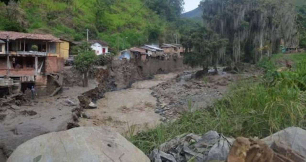 Comienza la reconstrucción en poblado de Colombia arrasado por avalancha