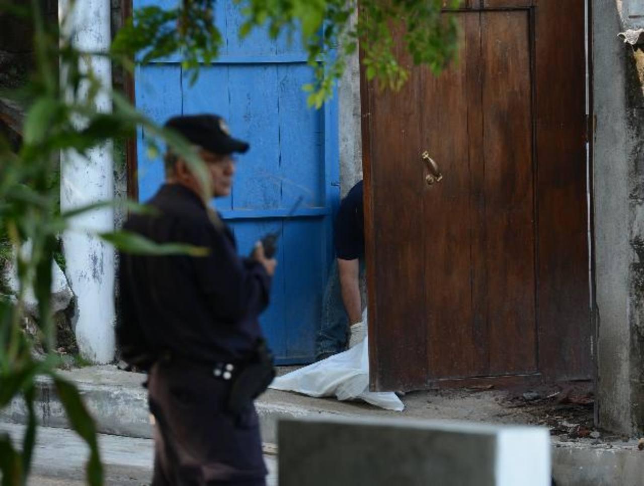 Un vendedor de huevos fue ultimado en su casa, en Ilopango. Fotos EDH / Douglas UrquillaLas autoridades reportaron ayer unos 10 homicidios en diferentes zonas de Usulután y San Miguel. Foto EDH / Archivo