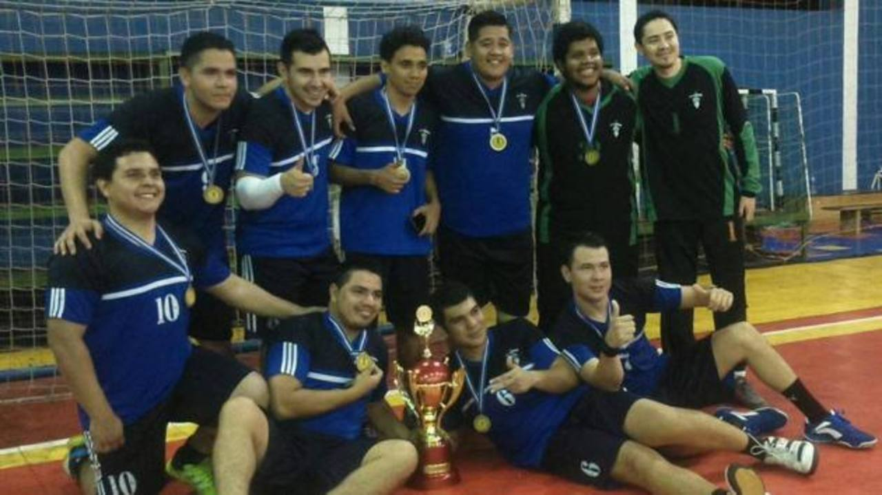 El campeón Titanes y su festejo tras el triunfo. Foto EDH/del Facebook de la federación