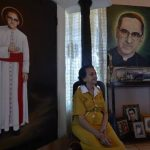 Ana Irlanda Gutiérrez Galdámez, de 82 años, recuerda con admiración a su primo Óscar Arnulfo Romero Galdámez. Él era 15 años mayor que ella. Lo conoció ya como sacerdote.