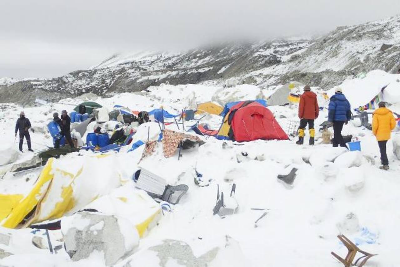 Nepal analiza la posibilidad de cancelar las rutas de ascenso al Everest