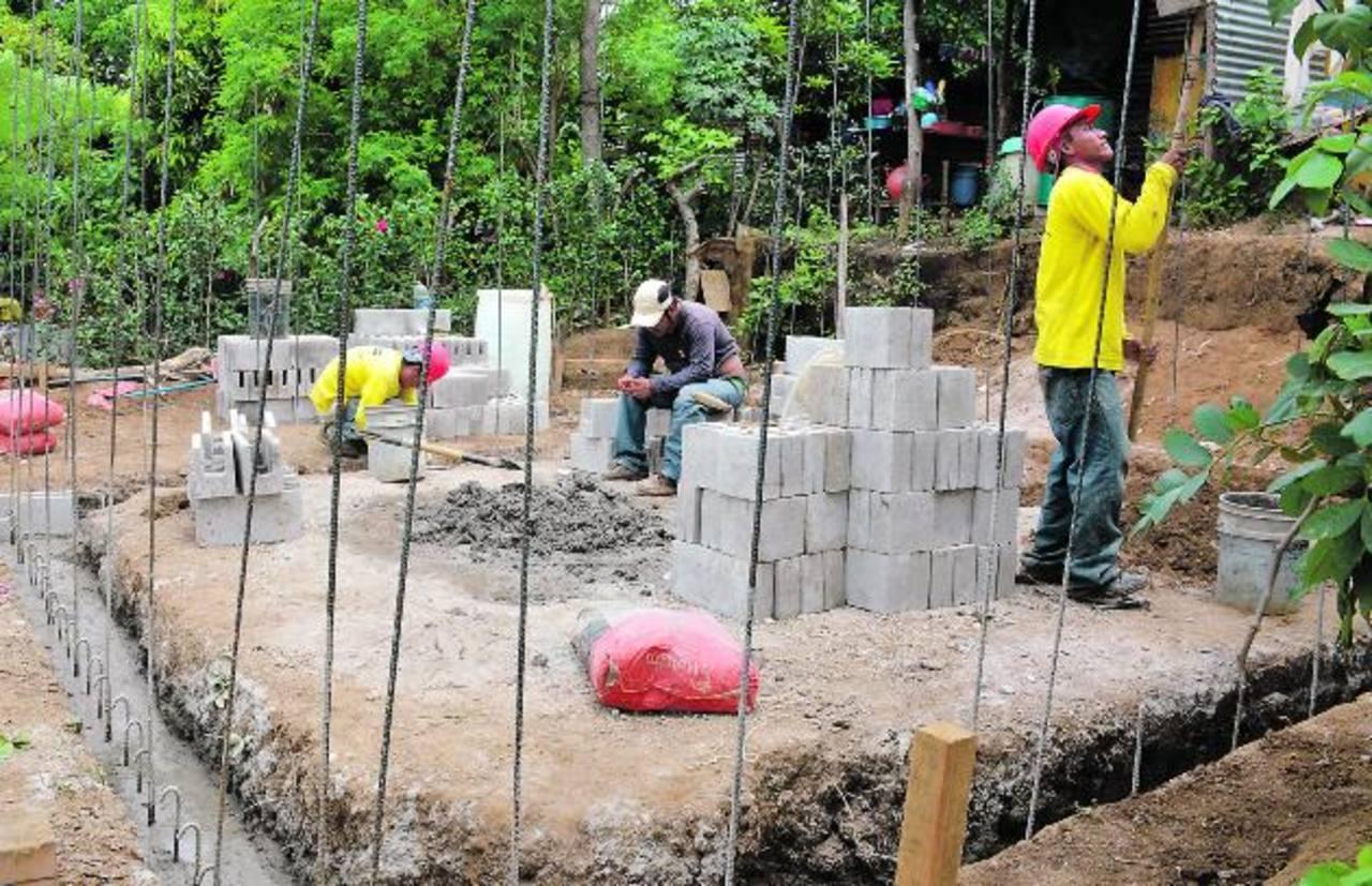 Los trabajos iniciaron en enero, pero no se ha establecido la fecha para finalizarlos. El proyecto se ejecuta con fondos de un préstamo otorgado por el BID. fotos edh / cristian diaz