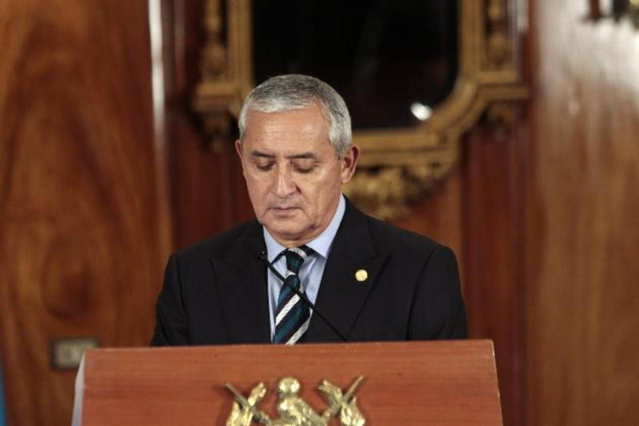 El presidente de Guatemala, Otto Pérez Molina, anunció la remoción de varios ministros y otros funcionarios. foto edh / efe