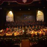 La orquesta y el coro durante su primera presentación en el Teatro Nacional de Santa Ana. Fotos Cortesía/ Alexander Rodríguez