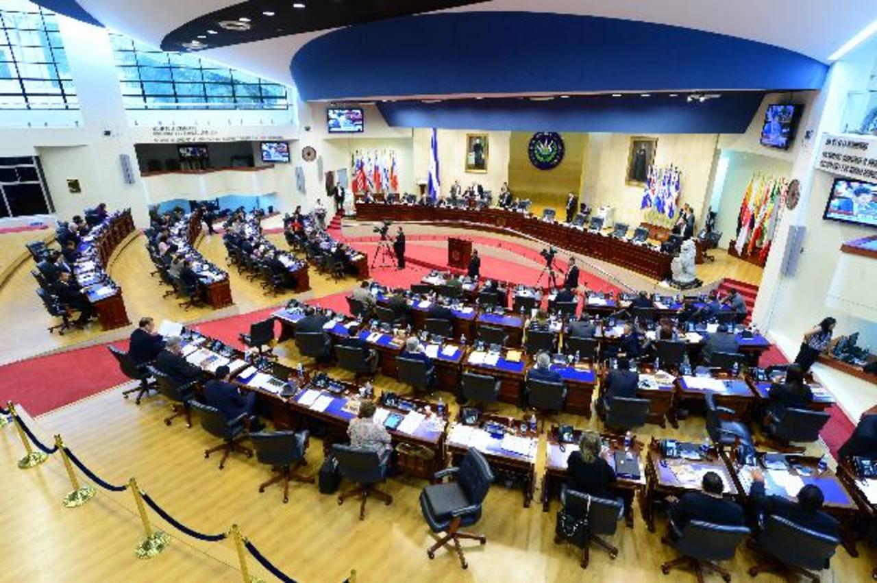 La Asamblea Legislativa es la que ha aprobado más préstamos en los últimos años. foto edh/archivo