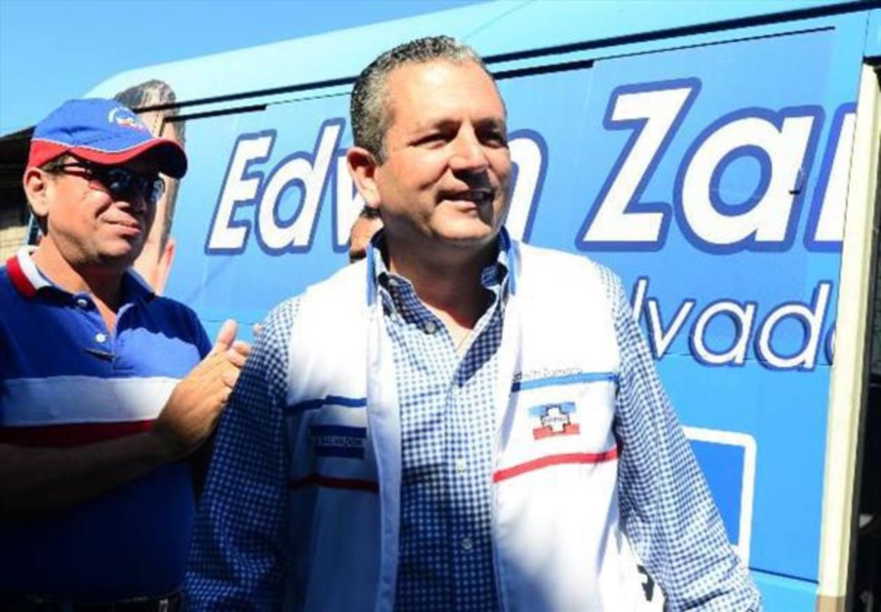 Edwin Zamora se retira del concejo municipal de San Salvador