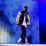 Chris Brown encuentra a fan desnuda en su casa
