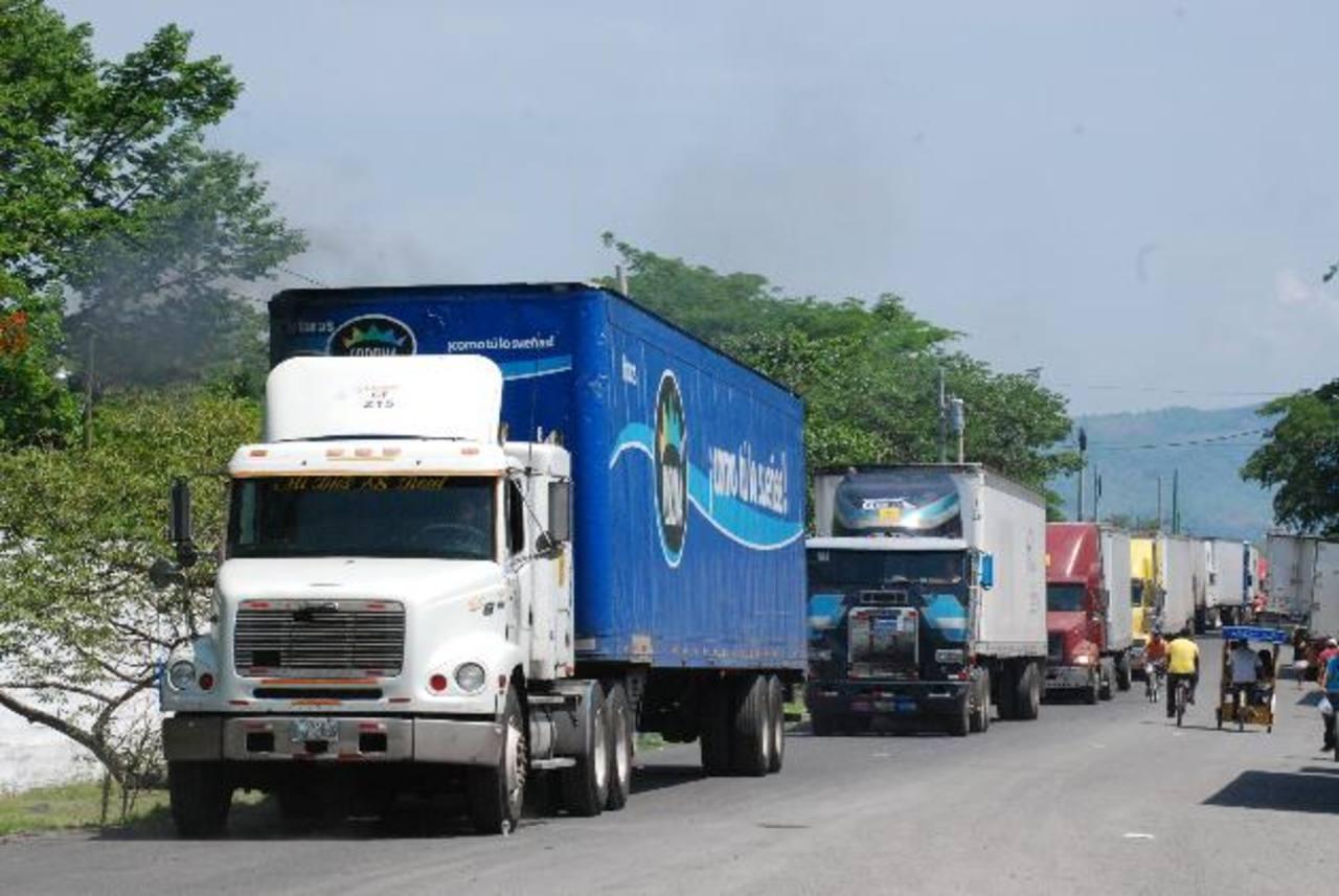 Analistas señalan que Guatemala, El Salvador y Honduras ya tienen un importante intercambio comercial, el cual se fortalecería con una verdadera integración. Foto EDH/ Archivo