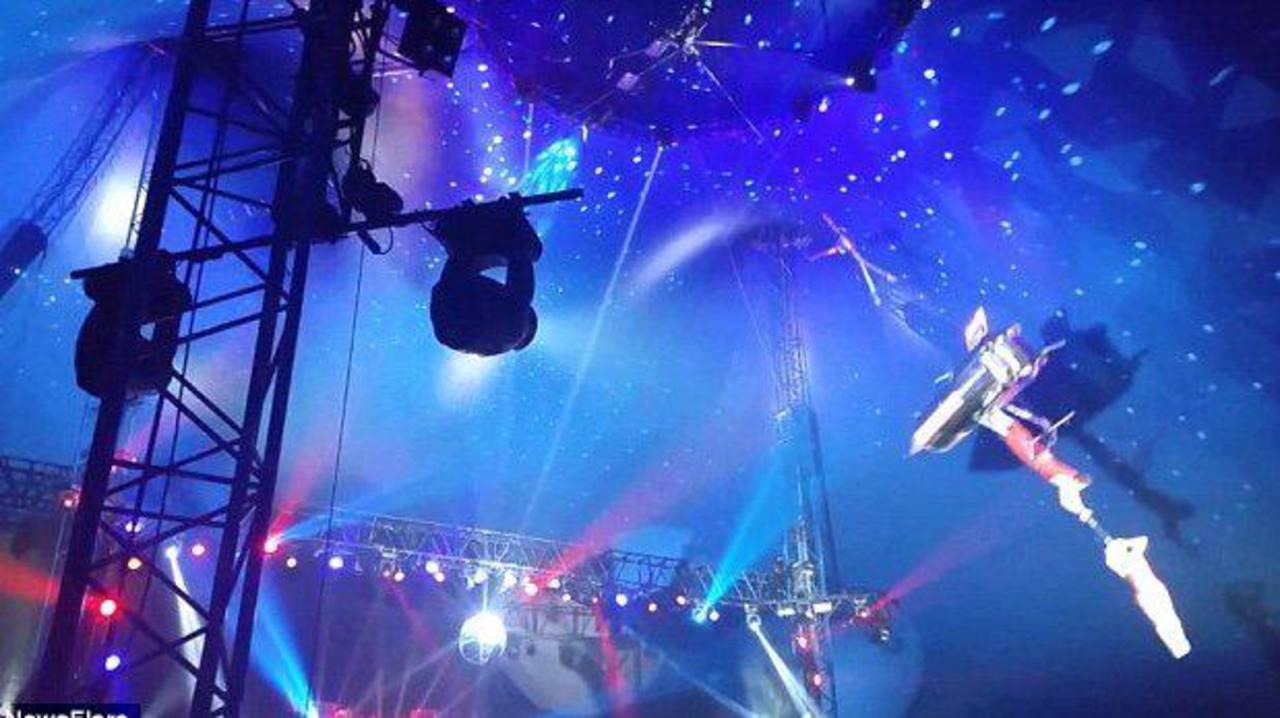VIDEO: Acróbata sufre grave accidente durante actuación