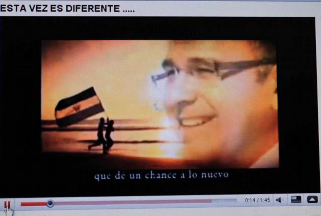Captura de imagen de un anuncio publicitario de Funes, entonces candidato del FMLN, difundido durante la campaña para las elecciones de 2009. Foto EDH / Archivo