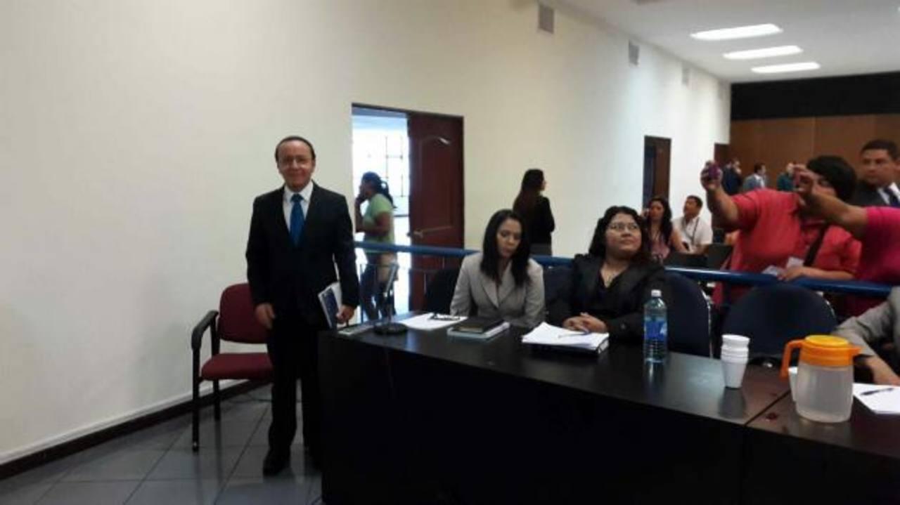 Ministro del Obras Públicas declara en caso Diego de Holguín