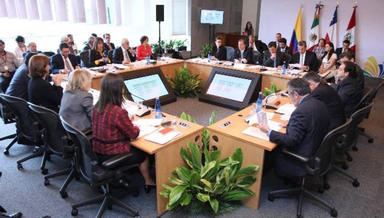 Compromisos de los países se adquirieron en reunión realizada en Cuzco. Foto EDH / Archivo.