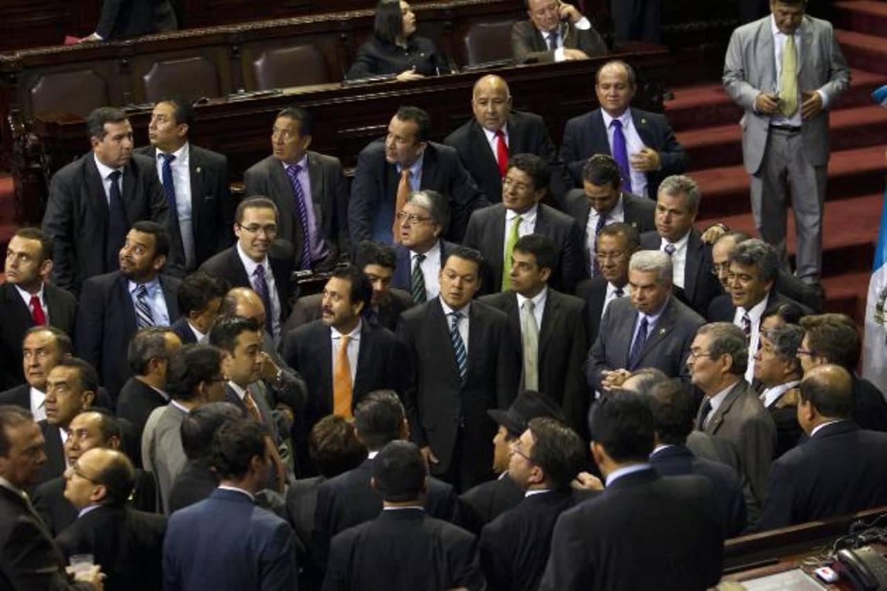 Los congresistas guatemaltecos suspendieron ayer la sesión para elegir al vicepresidente del país. foto edh / ap