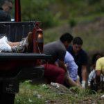 Los cadáveres de un hombre y una mujer, de unos 47 y 50 años respectivamente, fueron encontrados en un basurero en Santa Cruz Michapa. Foto EDH / J. Anaya