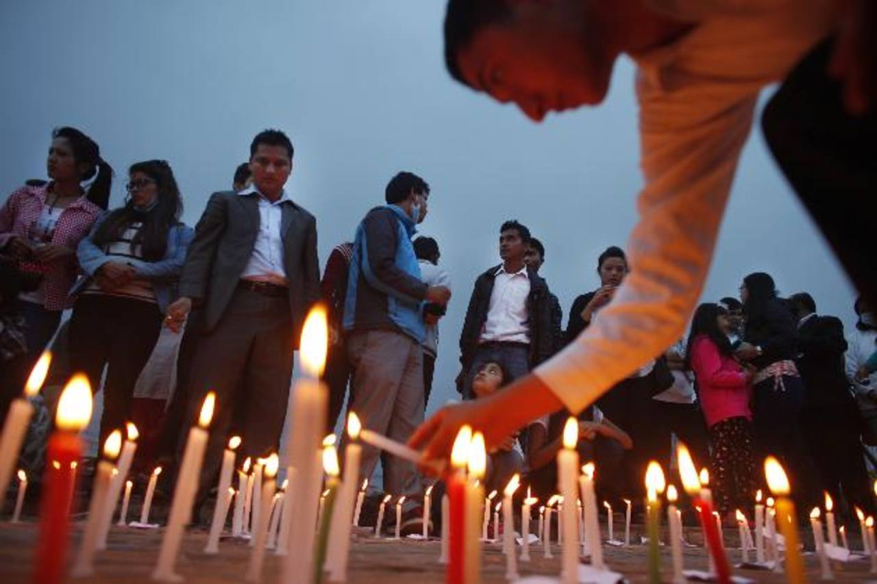 Cifra de muertos por sismo en Nepal esta por llegar a 7 mil