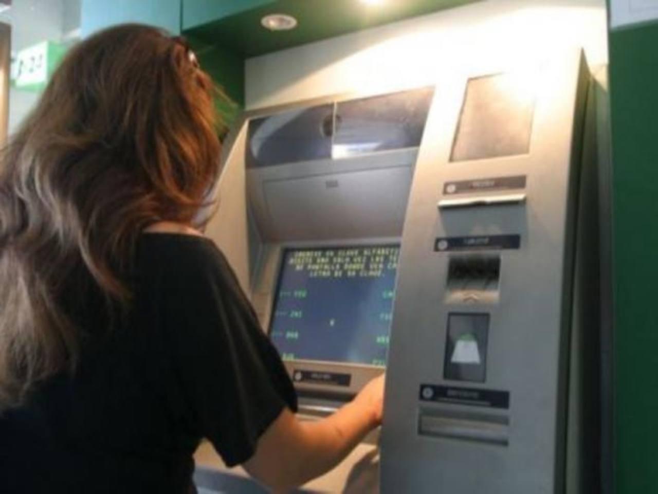 Los cajerons electrónicos, tal como los conocemos, darán paso a esta nueva tecnología. Foto EDH