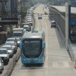 A partir del viernes, los buses circularán en horas pico y, algunas unidades, llegarán a la plaza del Salvador del Mundo. Foto EDH / Douglas Urquilla