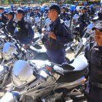 Un contingente de la Policía Nacional de Honduras recibe un lote de motos. Foto EDH / http://hondudiario.com/