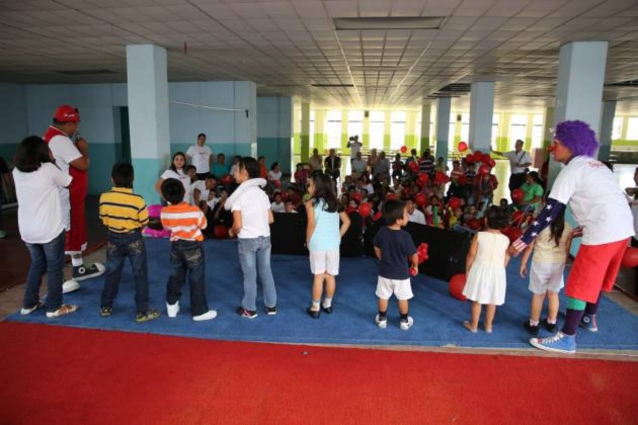"""Digicel Solidario forma parte de """"Compromiso Digicel"""", que enmarca los proyectos y acciones de responsabilidad social de la compañía . Foto EDH /Cortesía"""