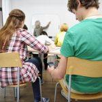 ¿Deberían prohibirse los celulares en clase? Nuevo estudio sugiere que sí
