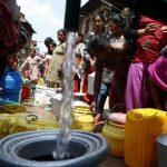 Según la OMS, globalmente en 2010 se cumplió con el objetivo relacionado con el acceso al agua potable. Sin embargo, las regiones de África y Oriente Medio no lo han alcanzado.