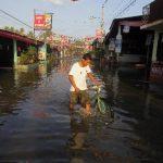 Emiten alerta naranja en 29 municipios de El Salvador afectados por fuerte oleaje